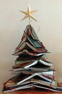 Books-Christmas-Tree.jpg