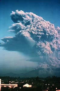 Galunggung_eruption_vulcanienne-1982.jpeg