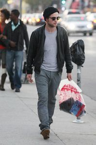 Robert Pattinson doing some shopping