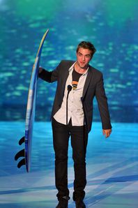 TCA 2011 - Rob winning Best Drama Actor 3
