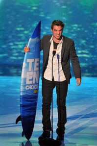 TCA 2011 - Rob winning Best Drama Actor 5
