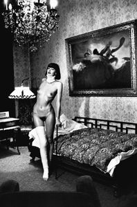Jenny-Capitain-Pension-Dorian-Berlin-1977-by-Helmut-Newton.jpg