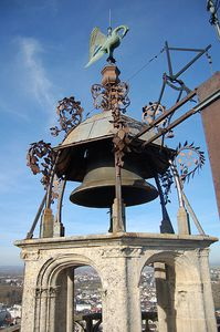 398px-Cloche cathedrale bourges