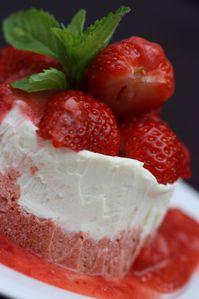 Chocolat-blanc-glace-aux-fraises--1-.JPG
