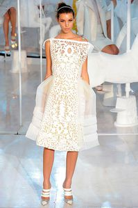 louis-vuitton-rtw-spring2012-runway-016_093539271734.jpg
