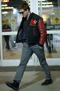 Rob Pattinson arriving @ VanCity airport 6
