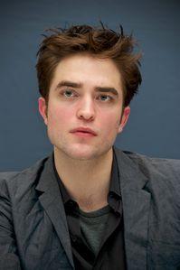 WFE - Robert Pattinson Press Conference 5
