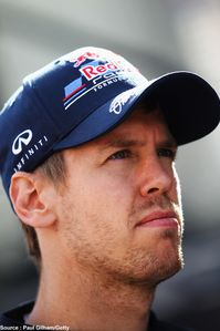 Red-Bull---Sebastian-Vettel--casquette-Infiniti.jpg