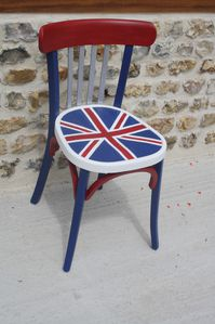 chaise avec le drapeau anglais le blog de. Black Bedroom Furniture Sets. Home Design Ideas