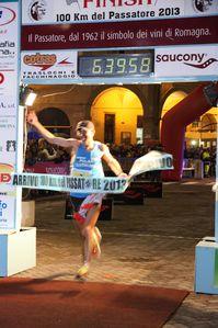 100 km del Passatore (41^ ed.). Giorgio Calcaterra si aggiudica l'8^ vittoria consecutiva ed è Campione italiano di specialità 2013, assieme a Paola Sanna