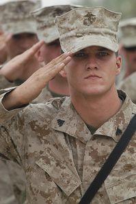 Marines-US-salut.jpg