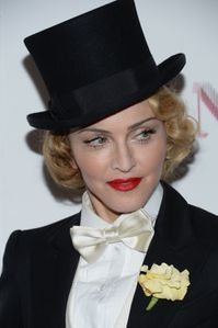 20130619-pictures-madonna-mdna-tour-premiere-scree-copie-1.jpg