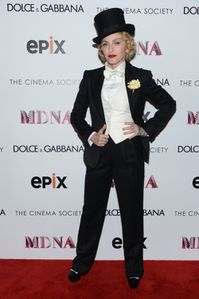 20130619-pictures-madonna-mdna-tour-premiere-scree-copie-18.jpg