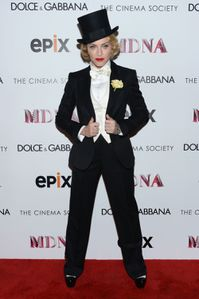 20130619-pictures-madonna-mdna-tour-premiere-scree-copie-20.jpg