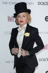 20130619-pictures-madonna-mdna-tour-premiere-scree-copie-21.jpg