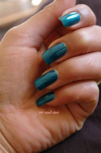 Swatch OPI Yodel me on my cell