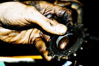 bike-grease---graisse-de-velo-main.jpg