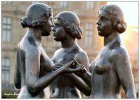 Jardin-des-Tuileries--Trois-graces-1.jpg