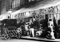 facade-du-restaurant-chez-maxim-s-a-paris-en-1900.jpg
