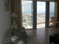 holidays apartment luxuous with ocean view with swimming pool in Tel aviv