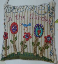 INT THE GARDEN QUILTMANIA COUSSIN