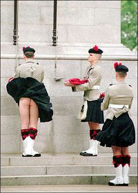 nu-sous-le-kilt.jpg