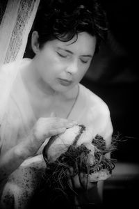 Isabella-Rossellini---skull-copie-1.jpg