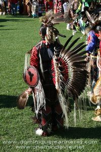 pow-wow-wendake-2011-dominique-jeanneret.jpg