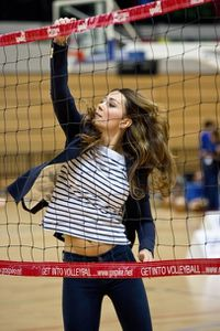 Kate-Middleton-joue-au-volley-pour-l-association-Sports-Aid.jpg