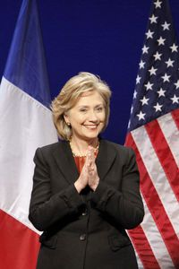 ClintonParis-Us100129.jpg