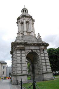 Dublin---Trinity-College---Le-campanile.jpg