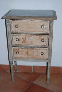 commode-avant-copie-1.JPG