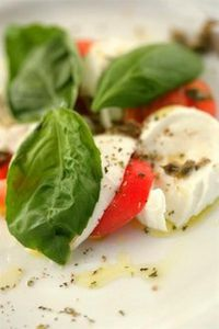 tomate-mozzarella-2-Medium-125809_L.jpg