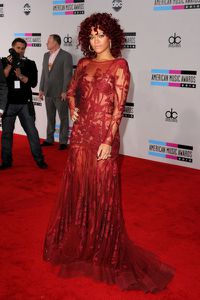 Rihanna-American-Music-Awards.jpg