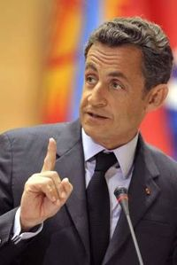 nicolas-sarkozy-menace.jpg