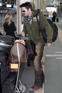 Billy Burke Catching Flight Vancouver Airport