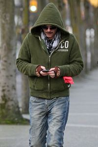 Billy Burke walking in Vancouver