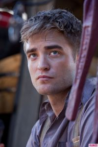 WFE - Stills with Robert Pattinson 1