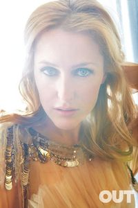 Gillian1x350