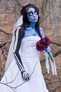 20-Best-Scary-Yet-Amazing-Halloween-Costumes-2012-For-Teen-
