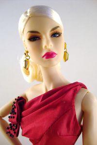 2010 Agnes Von Weiss Head for Glamour The Dark R-copie-2