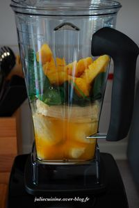 smoothie-banane-epinards-ananas-orange1.jpeg