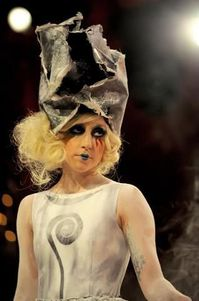 Lady Gaga apologises for ''retarded'' comment