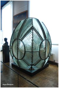 Paris Musee de la Marine optique phare