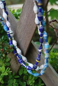 equite-collier-perle-cylindre-papier-recycle.JPG