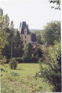 MonthoironChateau-.jpg