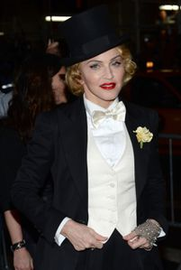 20130619-pictures-madonna-mdna-tour-premiere-scree-copie-24.jpg