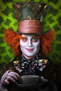 johnny-depp-mad-hatter-alice-wonderland