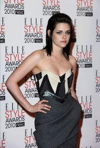 113801_kristen-stewart-arrives-at-the-elle-style-awards-at-.jpg