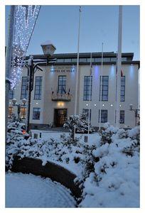 Mairie-sous-la-neige.JPG